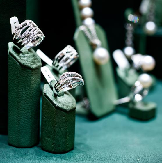 Juwelen Henri Dom - copyright Noortje Palmers
